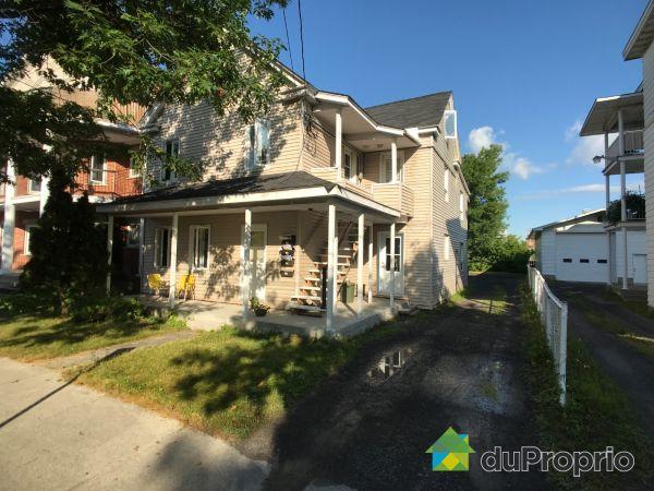 392-398, rue Richard, Joliette for sale