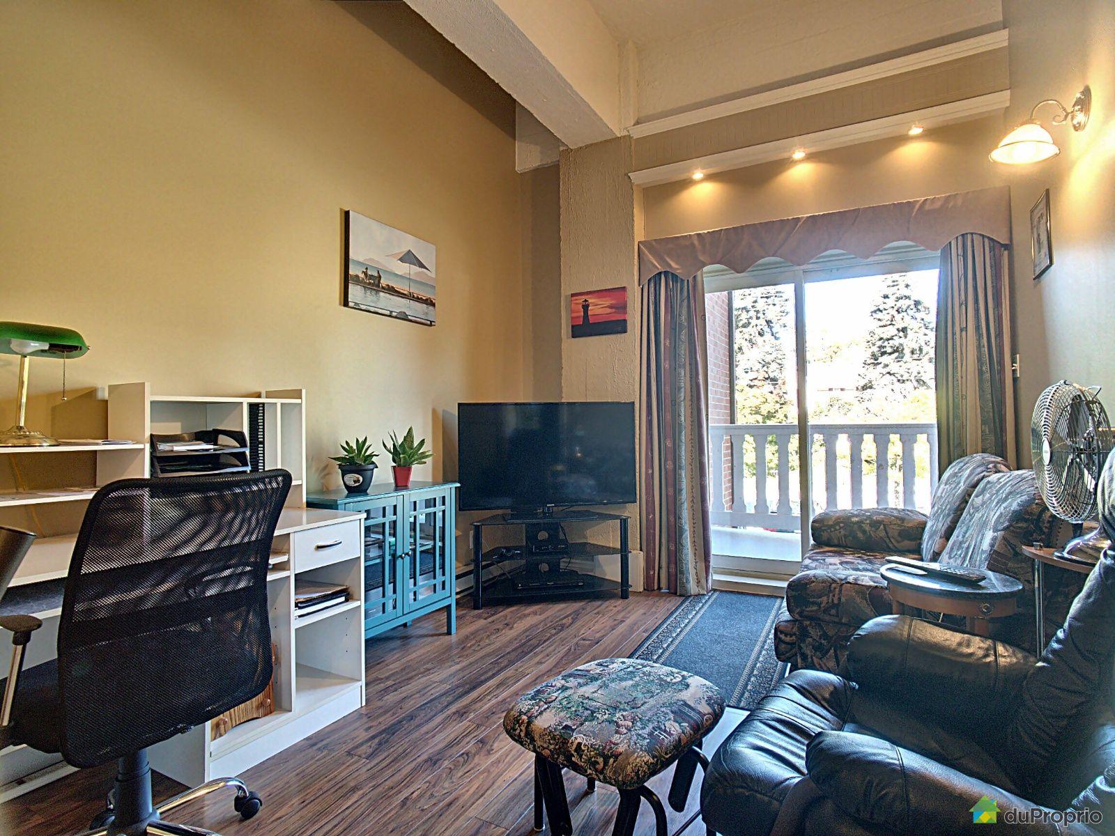 Living Room - 202-91 rue de l'Évêché Est, Rimouski (Rimouski) for sale