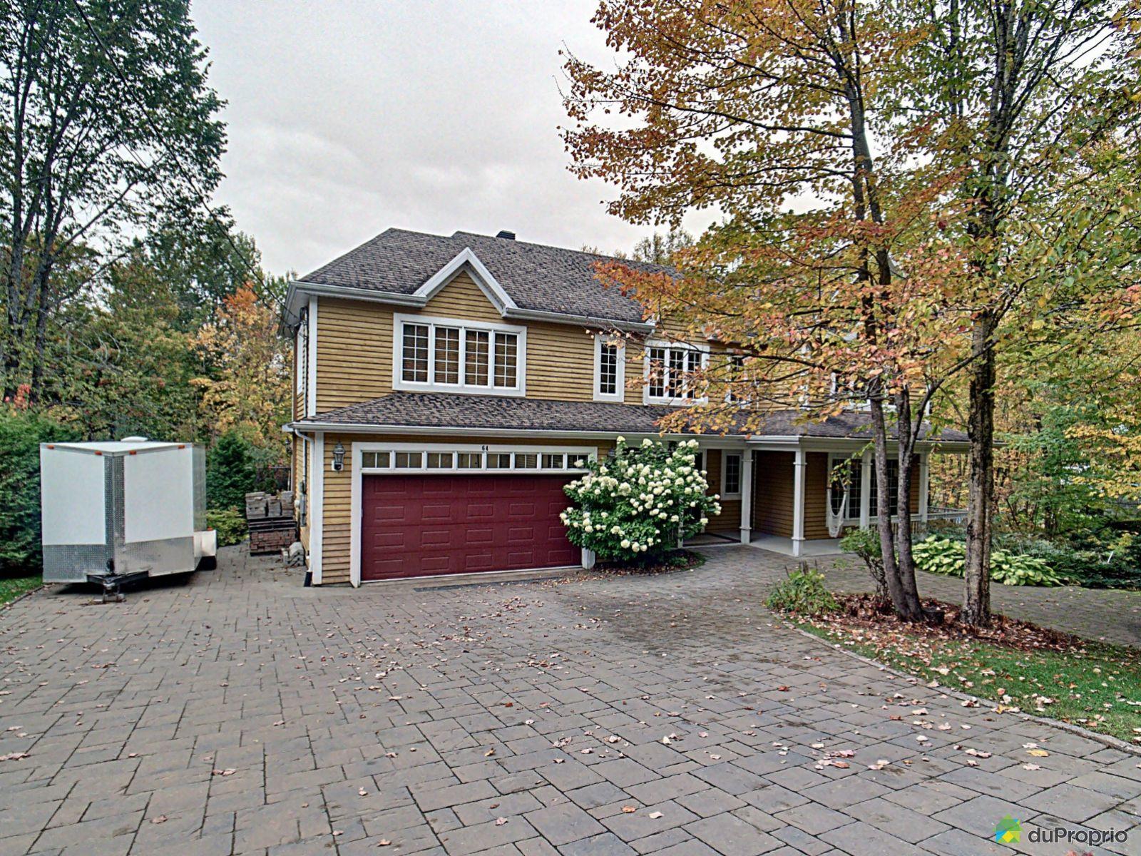 64 avenue du Rocher, Lac-Delage for sale