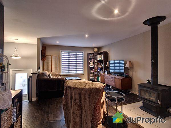 Living Room - 37 rue Lise, Lanoraie for sale