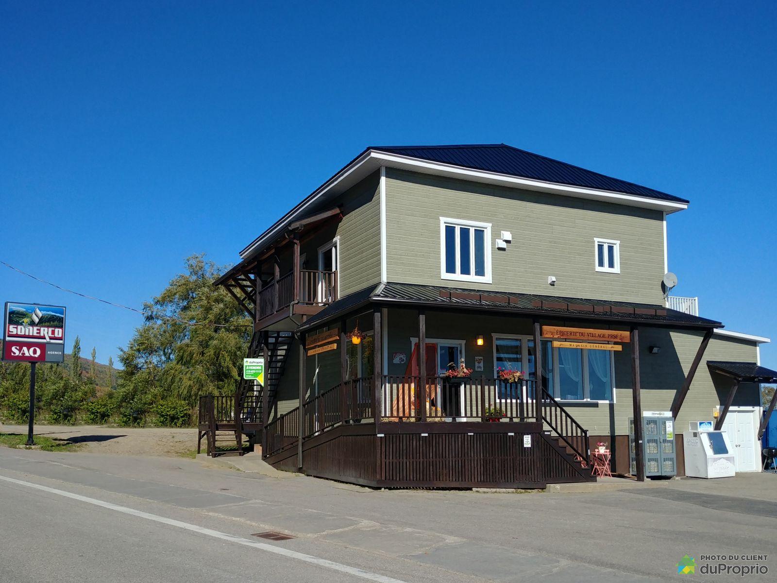 Bâtisse - 1133, rue Principale, Petite-Rivière-St-François à vendre