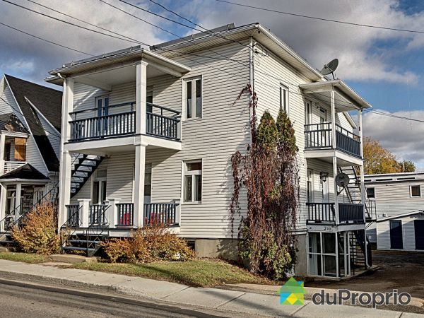 200-202-204, rue Saint-Jean-Baptiste, Baie-St-Paul for sale