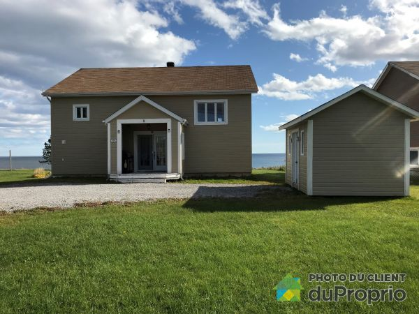 Front Yard - A-17 rue à Bonfils, Percé for sale