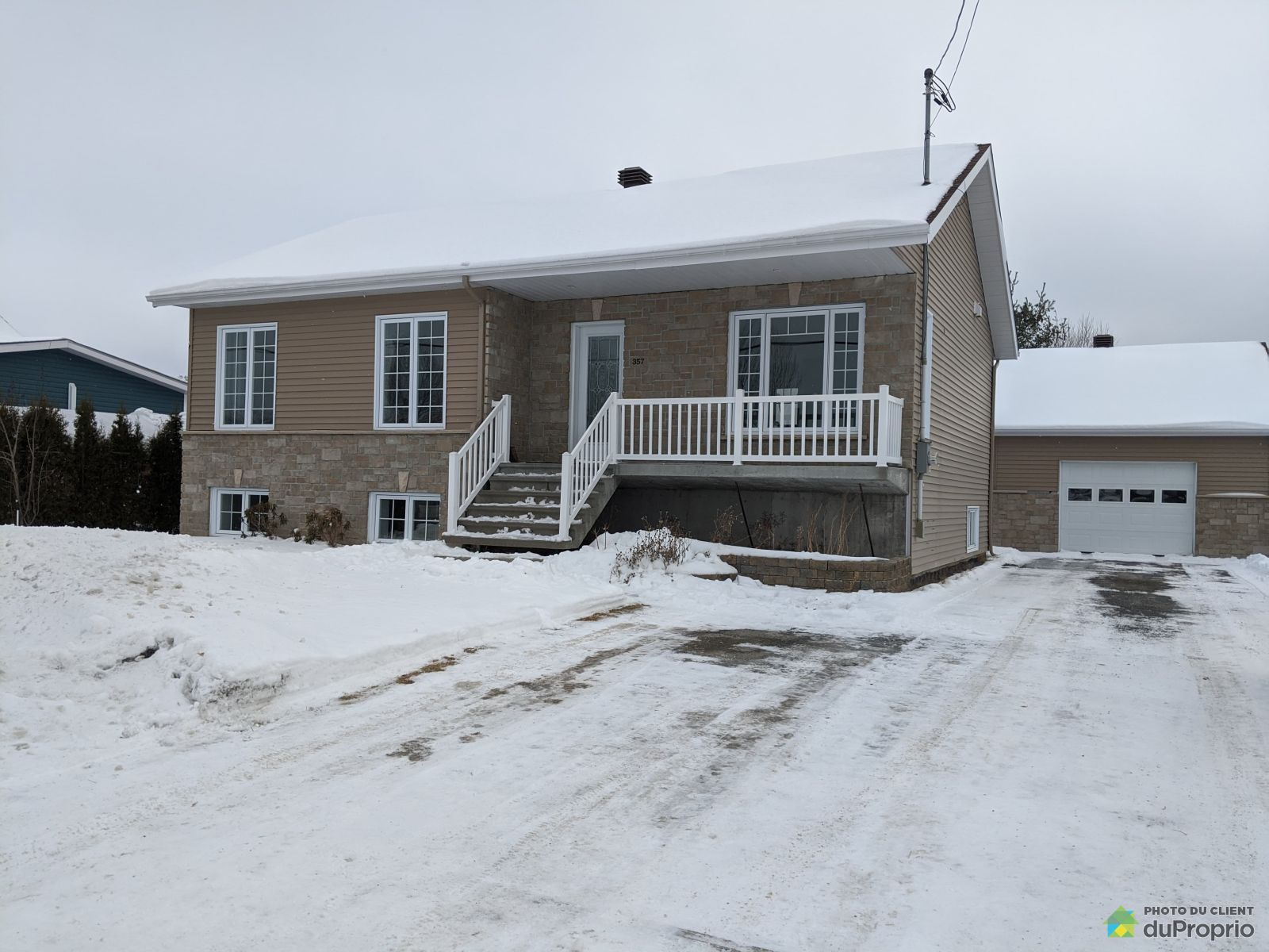 357 rue Gagnon, St-Ambroise for sale