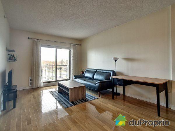 Salon - 403-930, boulevard Marcel-Laurin, Saint-Laurent à vendre