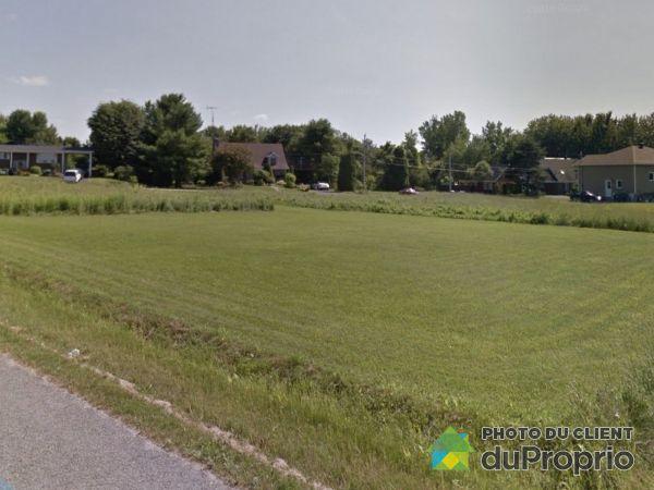 South Side -  place de Saratoga, St-Pierre-Les-Becquets for sale