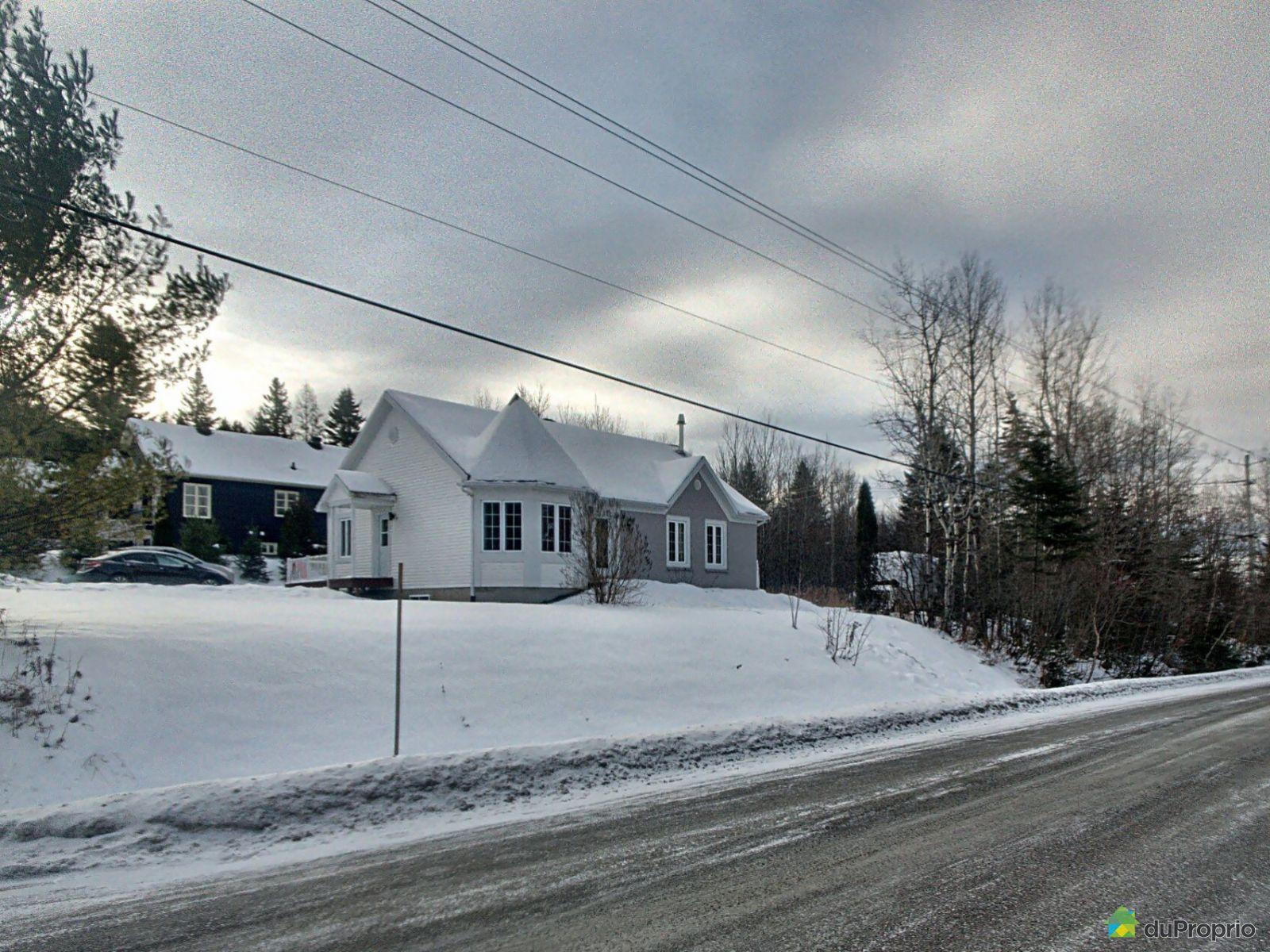 71 chemin de la Passerelle, Lac-Beauport for sale