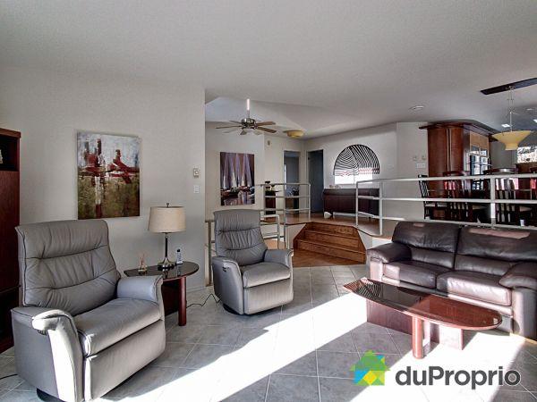 Living Room - 2695 rue du Cristal, St-Lazare for sale