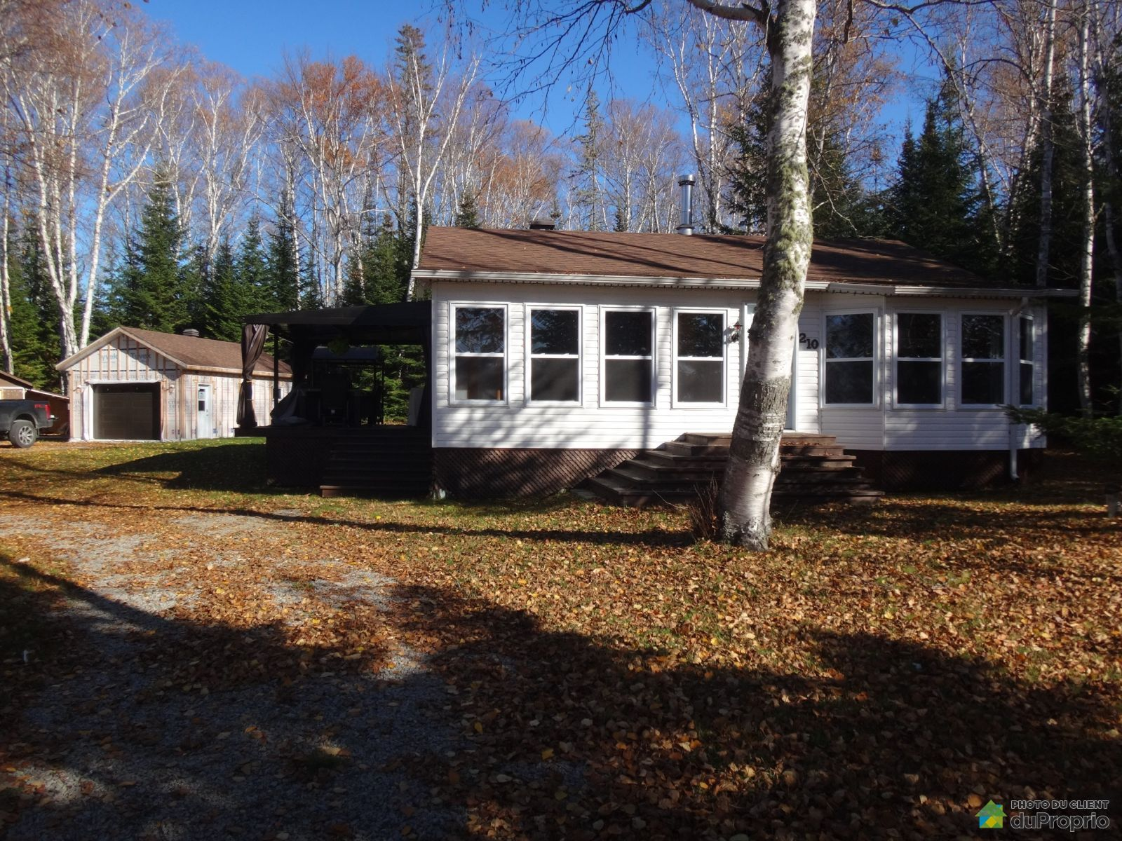 210 chemin du Domaine, St-Michel-Des-Saints for sale