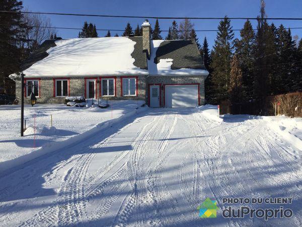 Winter Front - 4 chemin du Brasier, Lac-Beauport for sale