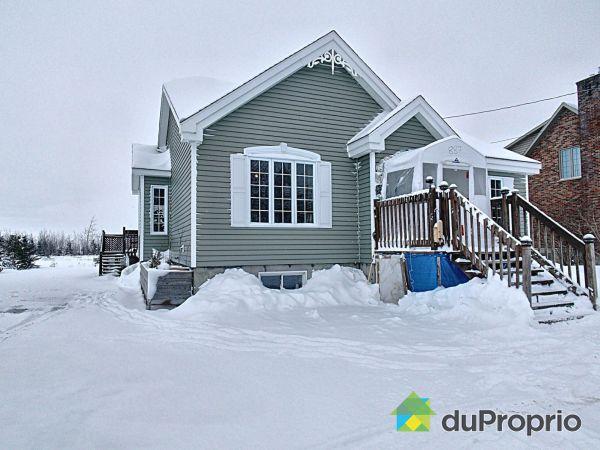 Winter Front - 887 rue Principale, St-Pierre-De-La-Riviere-Du-Sud for sale