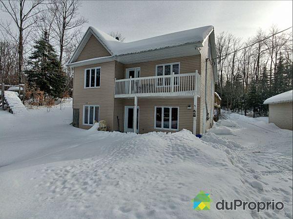 Winter Front - 30 rue Cédric, Val-Des-Monts for sale