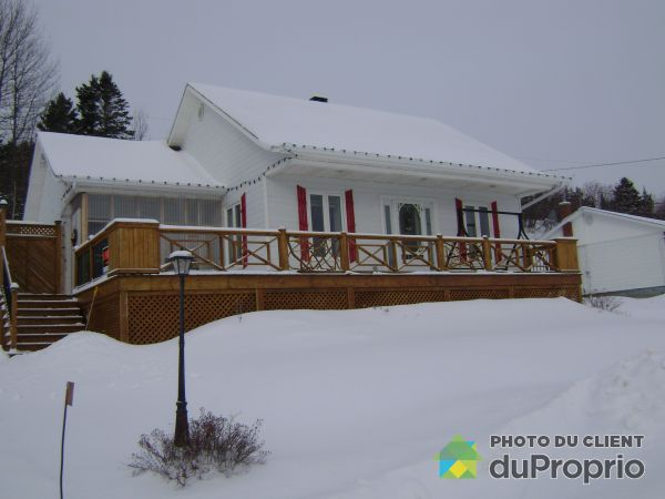 Winter Front - 21 rue Chicoine, Grande-Vallee for sale