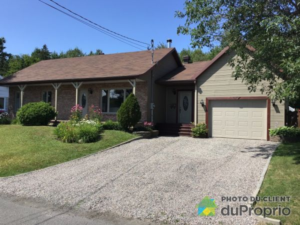 Summer Front - 539 rue du Lac Fripon, Lac-St-Charles for sale