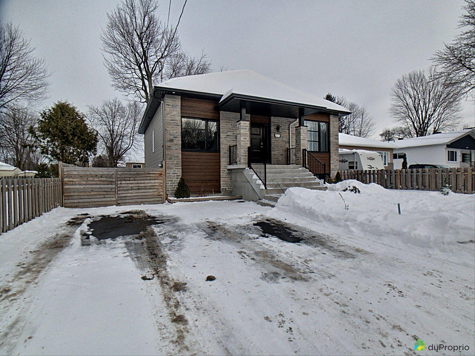 51A 20e Avenue, Ste-Marthe-Sur-Le-Lac for sale