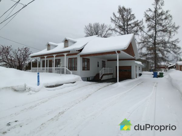 Winter Front - 43 rue Lespérance Ouest, St-Ambroise for sale