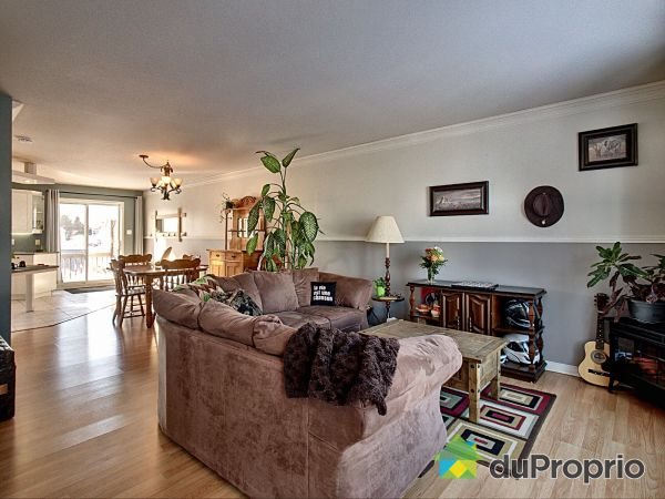 Living Room - B-257 rue Saint-Martin, Napierville for sale