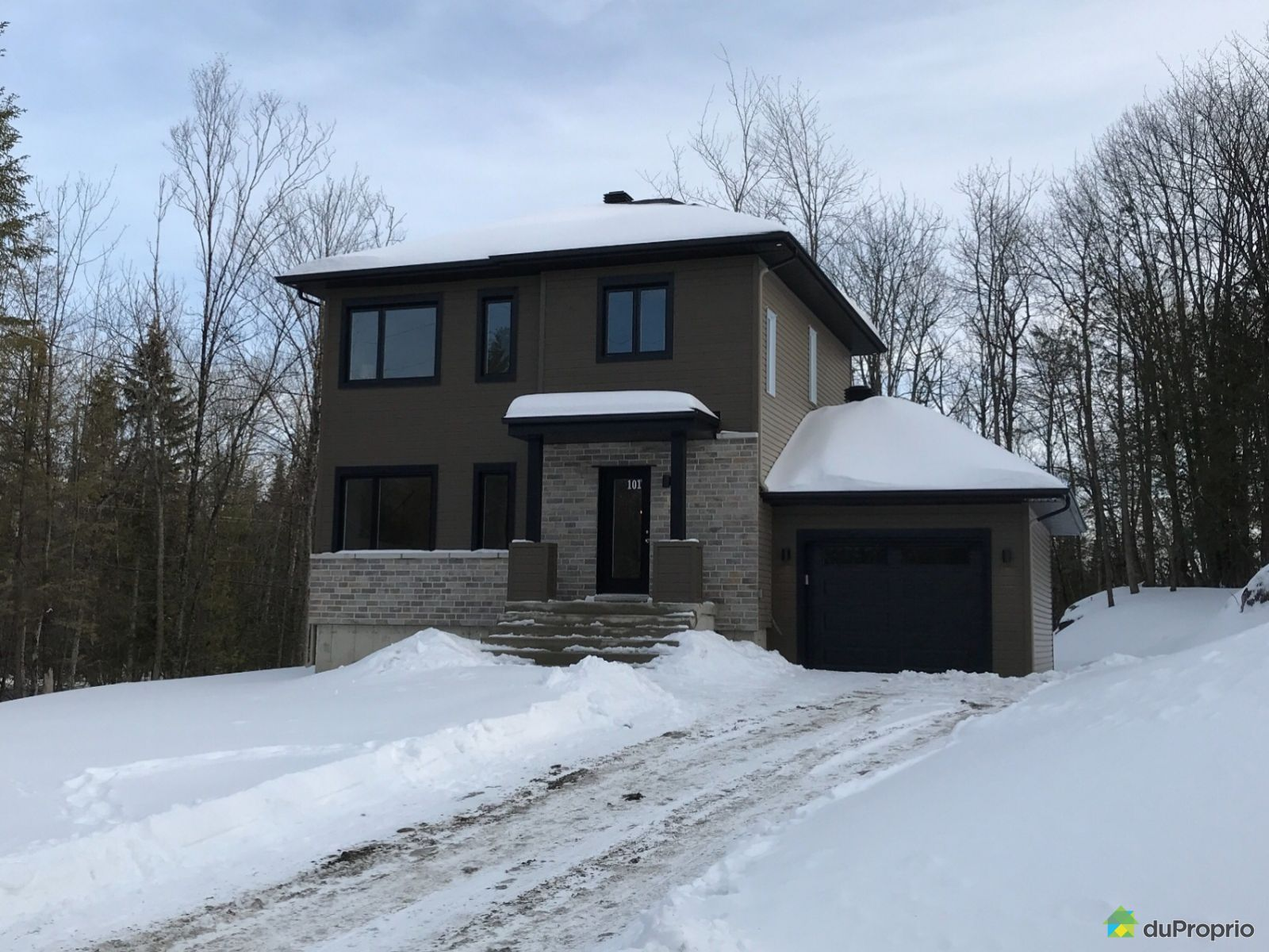 101 rue du Quartier - Par Groupe Frank-Fort, Ste-Sophie for sale