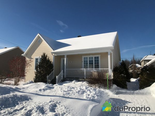 Winter Front - 104 rue Simoneau, St-Étienne-De-Lauzon for sale
