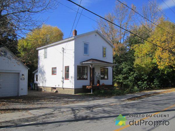 Front Balcony - 117 rue de l'Église, Napierville for sale