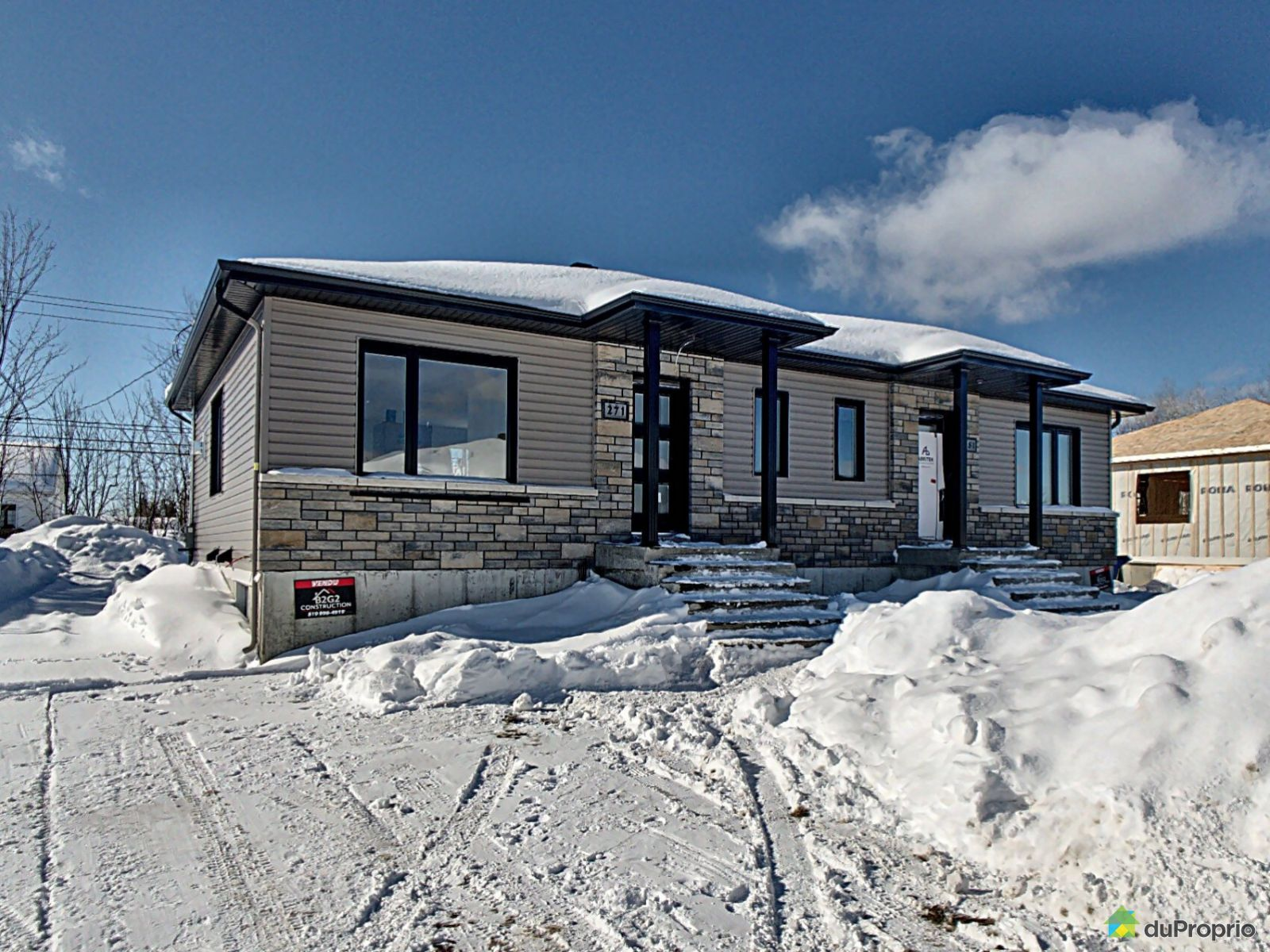 Maison modèle à visiter - 261 avenue des Dalles - Par B2G2 Construction, Shawinigan (Shawinigan-Sud) for sale