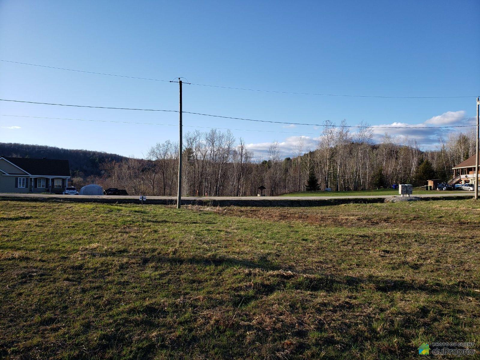 40 chemin de la Péninsule, Val-Des-Monts for sale