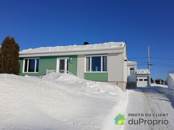 Winter Front - 106 avenue du Cran, St-Nazaire-Du-Lac-St-Jean for sale