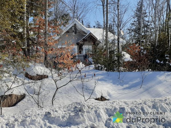 Property sold in Val-Des-Monts (Perkins)