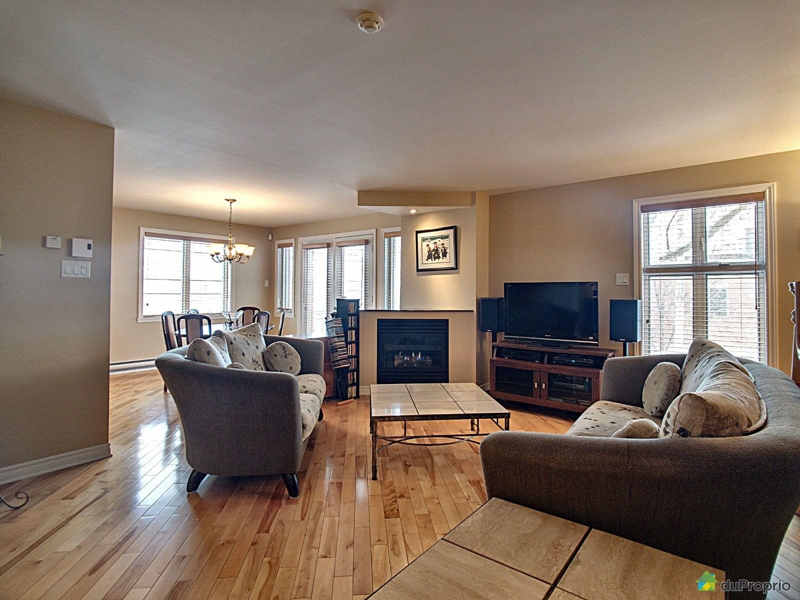 Salon - 4803, 7e Avenue, Rosemont / La Petite Patrie à vendre