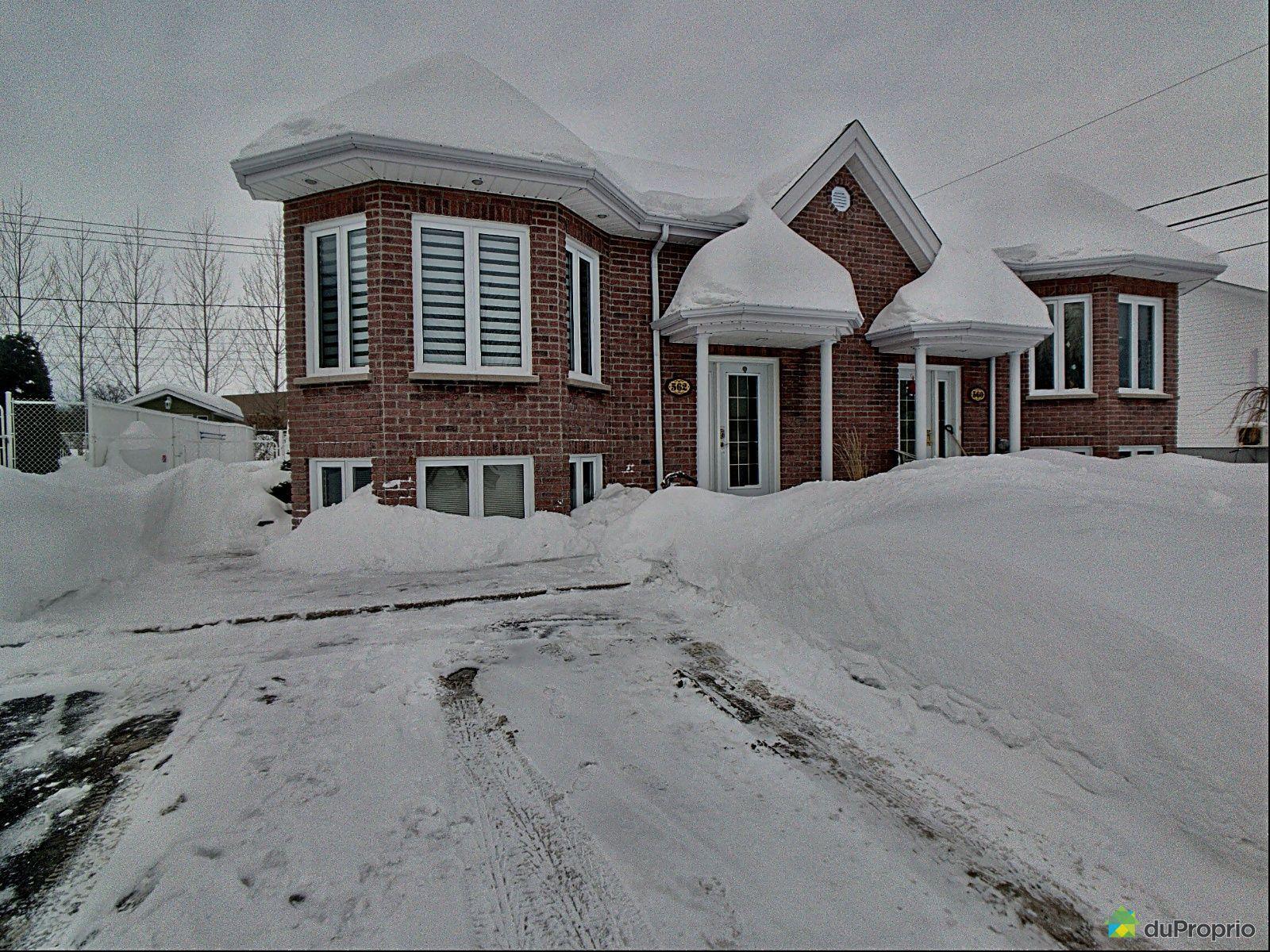 Front Yard - 562 avenue Radisson, Alma for sale