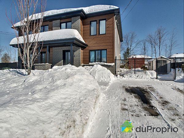 Winter Front - 520 rue du Semillon, Drummondville (St-Nicéphore) for sale