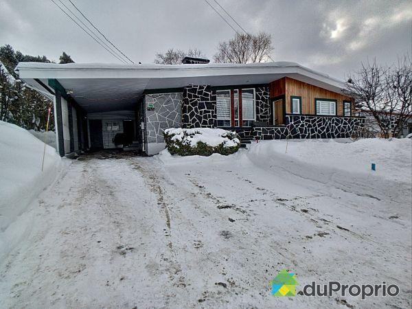 Winter Front - 1070 rue Bergeron, Alma for sale