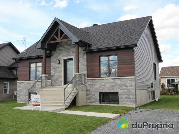 220 rue Plessis - Par Construction Serge Brouillette, Drummondville (Drummondville) for sale