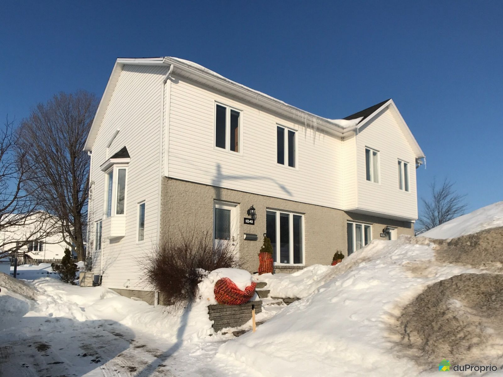Winter Front - 1041 rue Chagall, Val-Bélair for sale