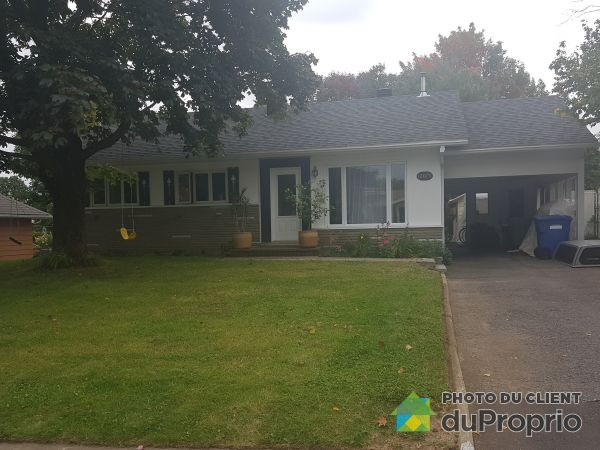 Front Yard - 12075 rue John-F.-Kennedy, Montchatel for sale