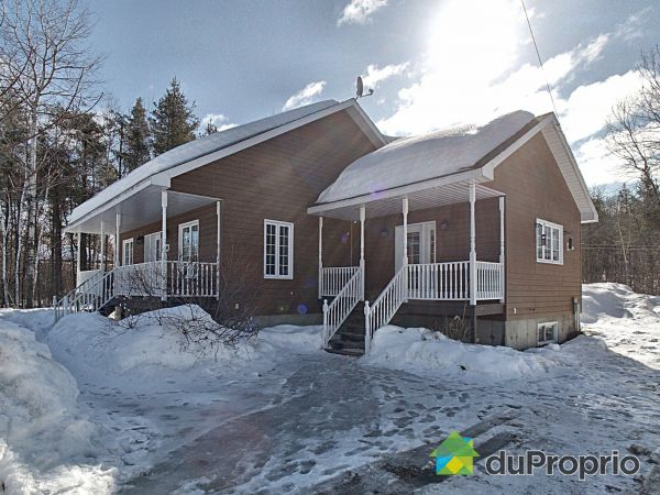 740 rue de la Poudrière, Shawinigan (Lac-A-La-Tortue) for sale