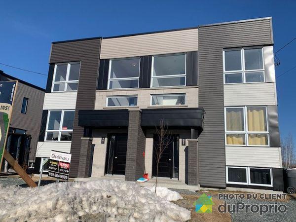 861, rue Henri IV - Cité de la tour - Par les Constructions Christian Belleau, Sherbrooke (Rock Forest) à vendre