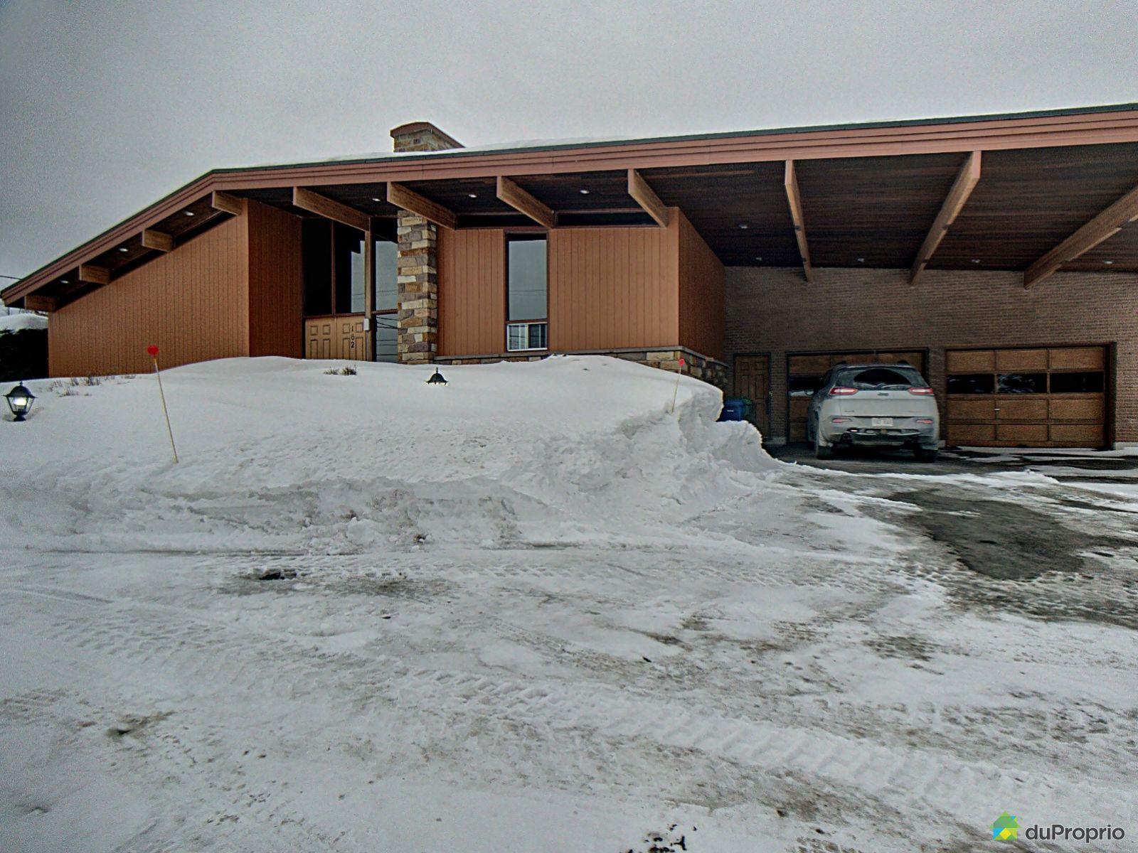 Winter Front - 162 rue d'Auteuil, Amqui for sale
