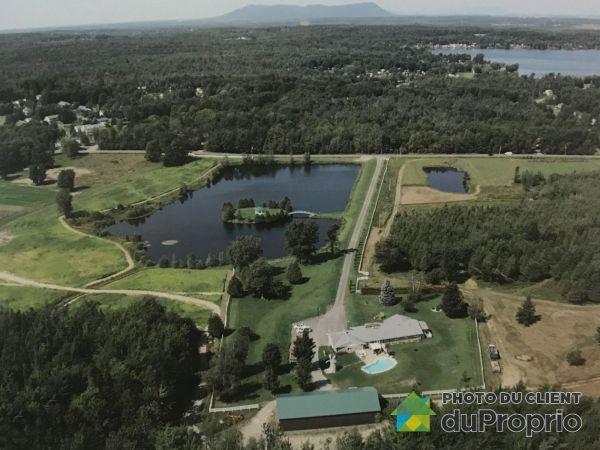 Vue aérienne - 1825, avenue du Lac Est, Roxton Pond à vendre