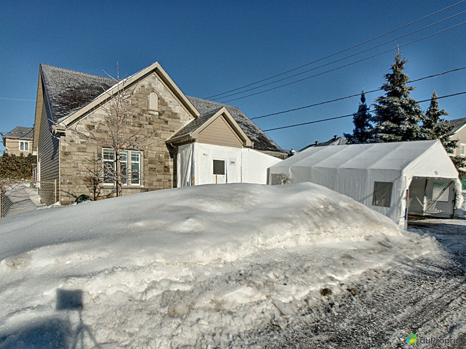 Winter Front - 1104 rue du Granite, Charlesbourg for sale