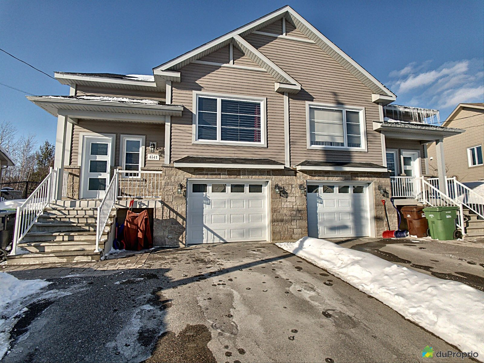 Winter Front - 4541 rue Memphrémagog, Sherbrooke (Rock Forest) for sale