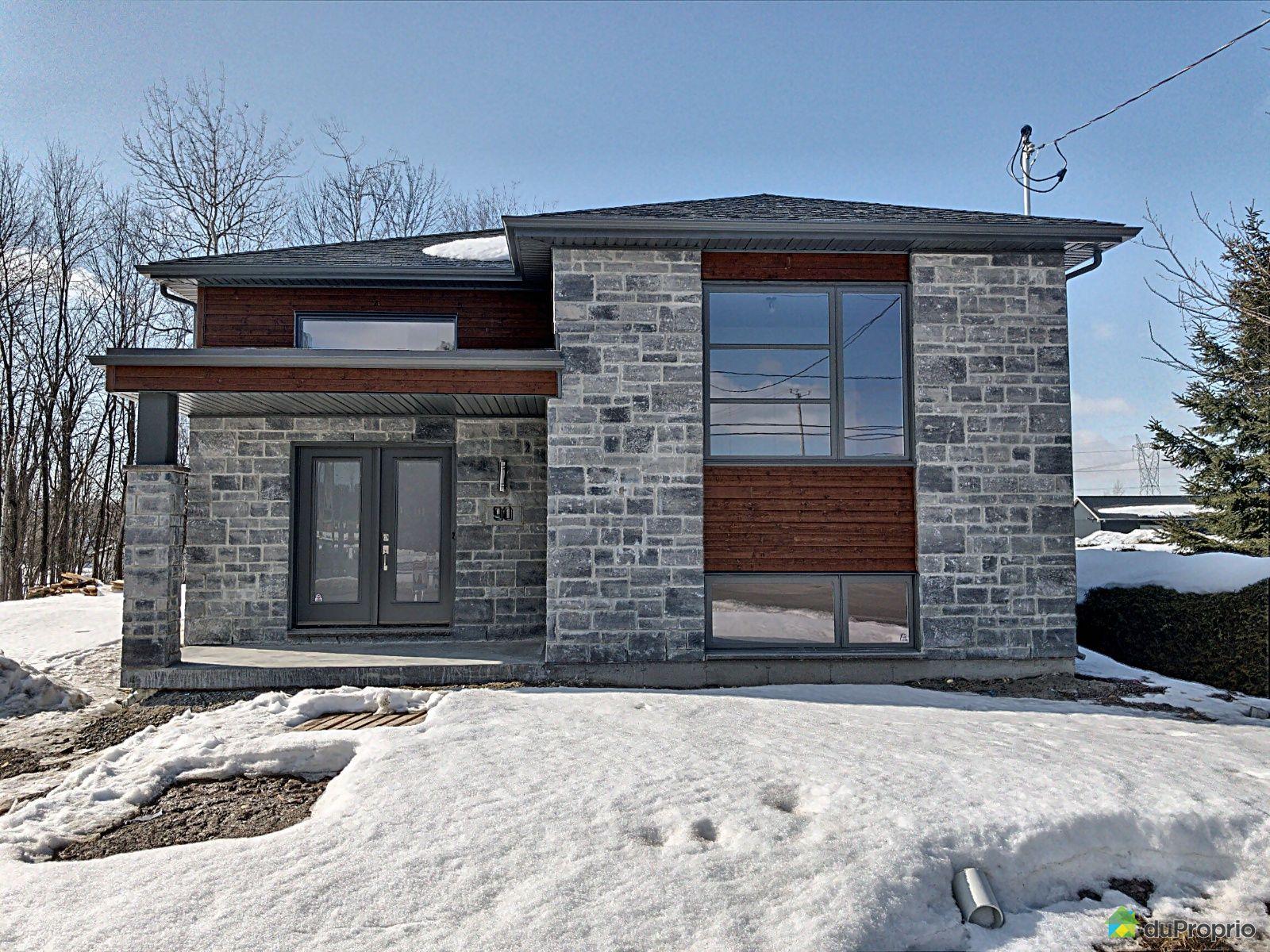 90 rue Irwin - Par les Habitations Mathieu Rivard, Granby for sale