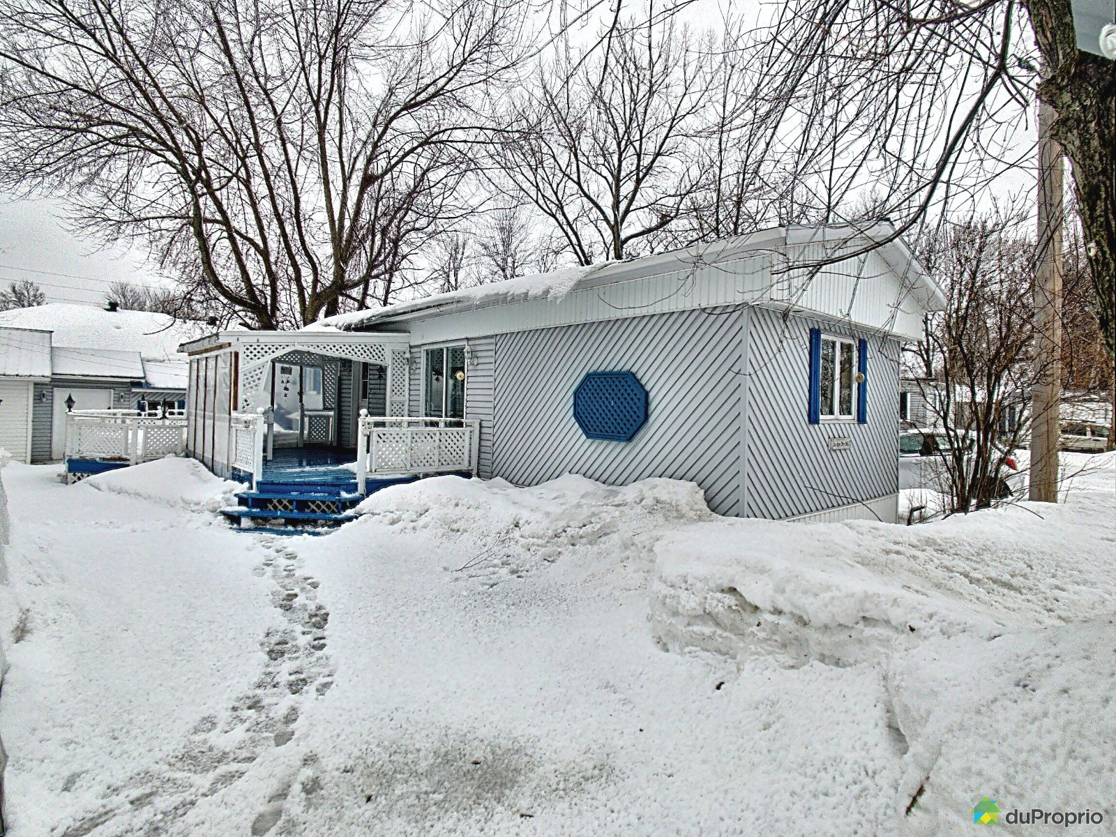 Winter Front - 1 rue des Iris, Nicolet for sale