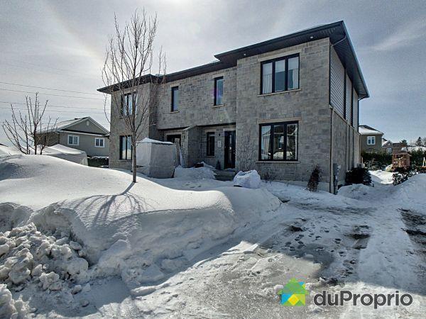 Winter Front - 9915 rue du Caire, Neufchatel for sale