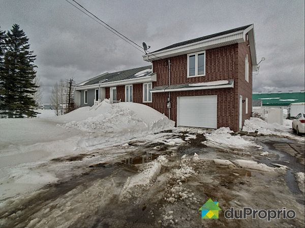 Entrepôt - 930, 6e Rang Nord, St-Bruno-Lac-St-Jean à vendre