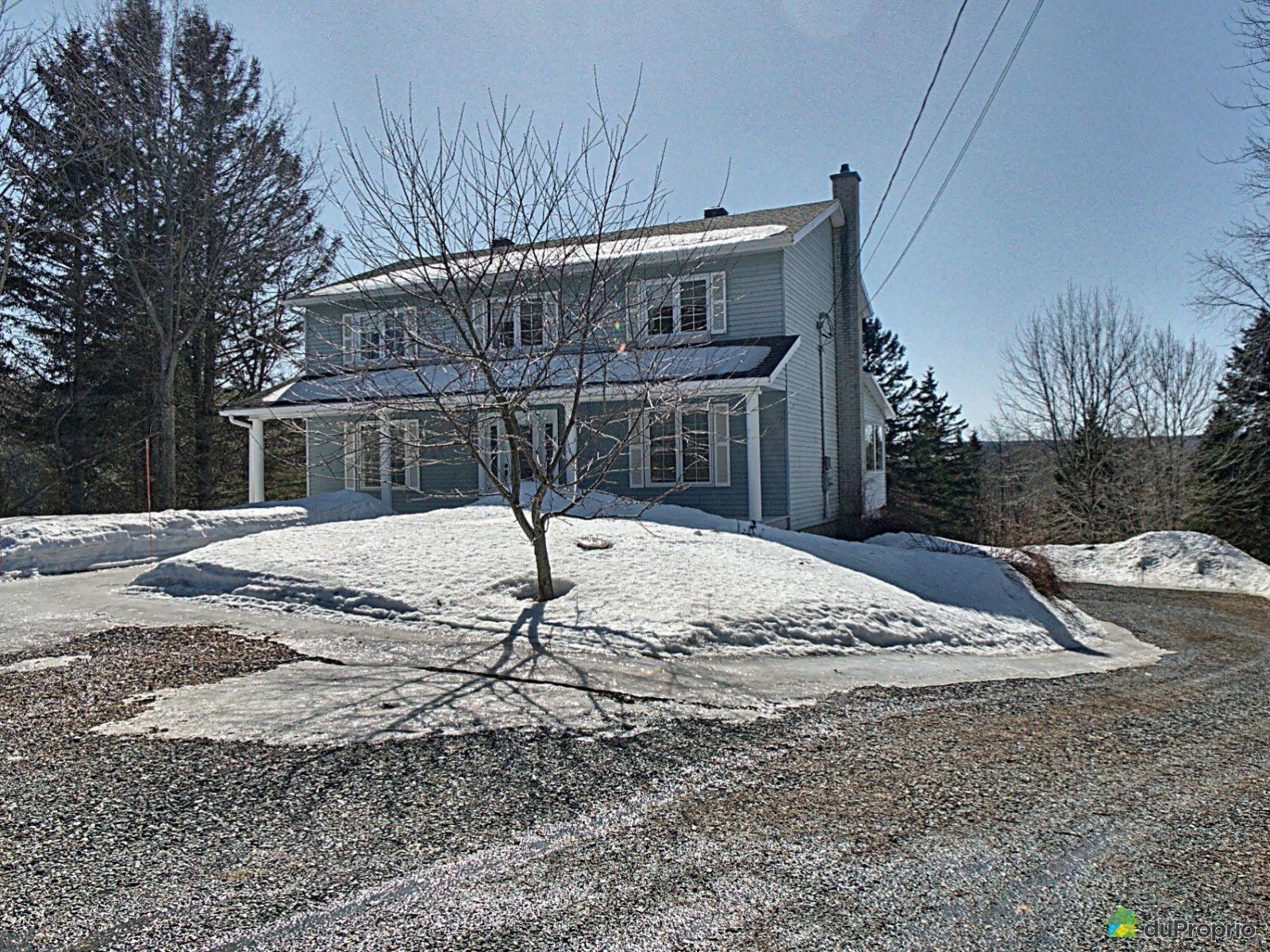740 avenue Principale, St-Malachie for sale