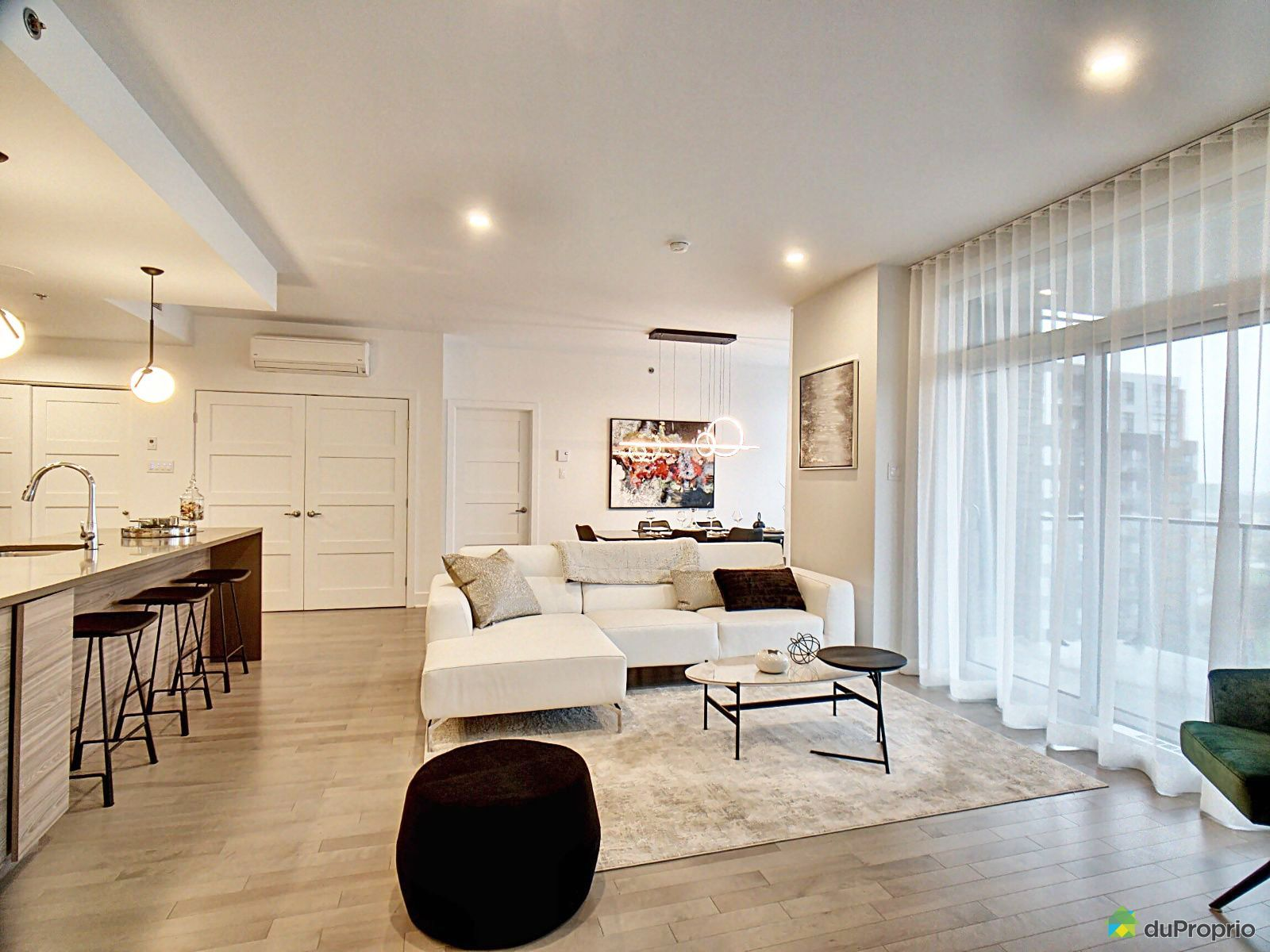 VIVA Phase 5 - Unité 1306 - 2855, avenue du Cosmodôme - PAR ALTA-SOCAM, Chomedey à vendre