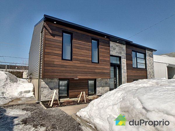 Winter Front - 273 rue du Meunier, St-Augustin-De-Desmaures for sale