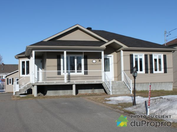 231 rue Marianne, St-Zotique for sale