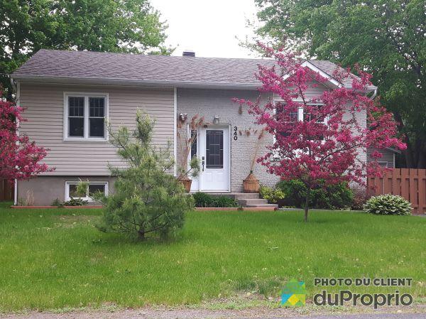 Summer Front - 340 rue Linda, St-Roch-De-Richelieu for sale